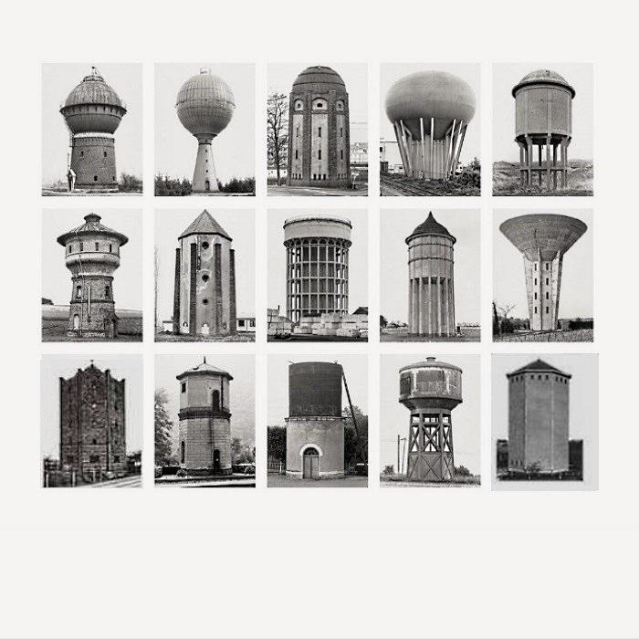 """Bernd & Hilla Becher: """"Wassertürme"""", 2007, Offsetdruck, Foto IV aus der Serie Typologien, Blattformat: 70 x 70 cm."""